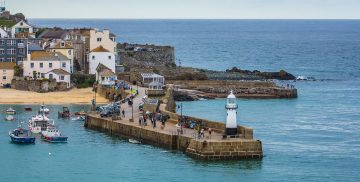 st-ives-pier-cornwall